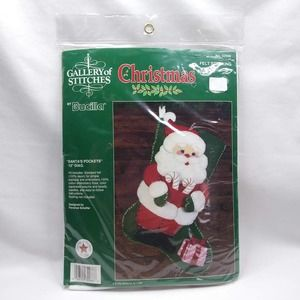 BUCILLA Felt Stocking Kit #32966 Santa Pockets 15""